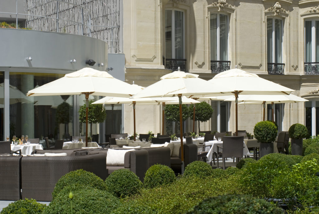hotel-barriere-le-fouquets-paris-2
